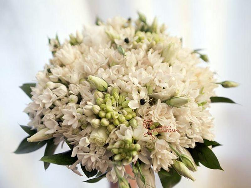 Ramos de flores elegantes