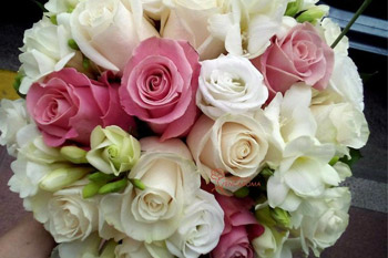Ramos de rosas variadas